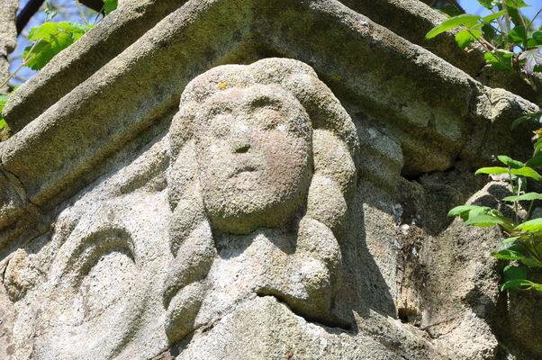 vestiges chapelle St Adrien - Bouthiry - Le Saint - crédit photo CCPRM (2).JPG