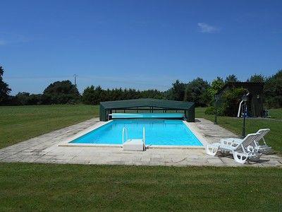 La Cachette-piscine1-sit.jpg