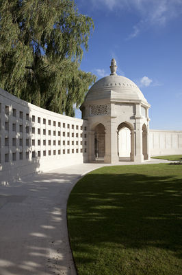 Intérieur du Neuve-Chapelle Indian Memorial - Richebourg.jpg