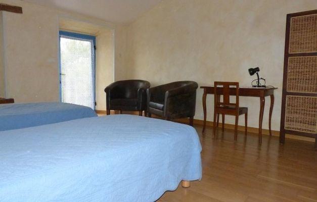 saint-amand-sur-sevre-gite-les-ecorcins-chambre1bis.jpg
