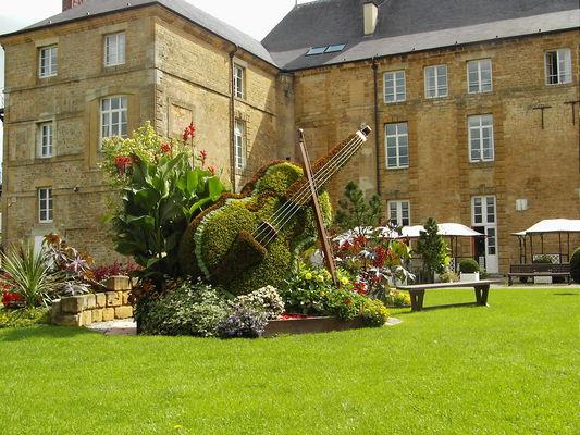 Abbaye de Mouzon - Crédit les Amis du Patrimoine de Mouzon.JPG