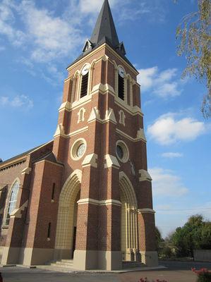 Eglise Saint Pierre de Cuinchy.jpg