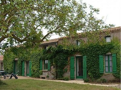 Voulmentin-Le Clouseau-facade-sit.jpg