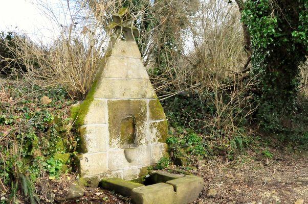 fontaine lavoir - Ste Jeanne - Le Saint - Pays roi Morvan - Morbihan Bretagne Sud - ©OTPRM (3).JPG
