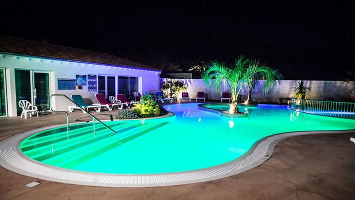 piscine-de-nuit-iledere.jpg