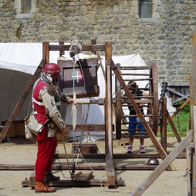 chateau-de-saint-mesmin-phase14-machines-de-siege.JPG