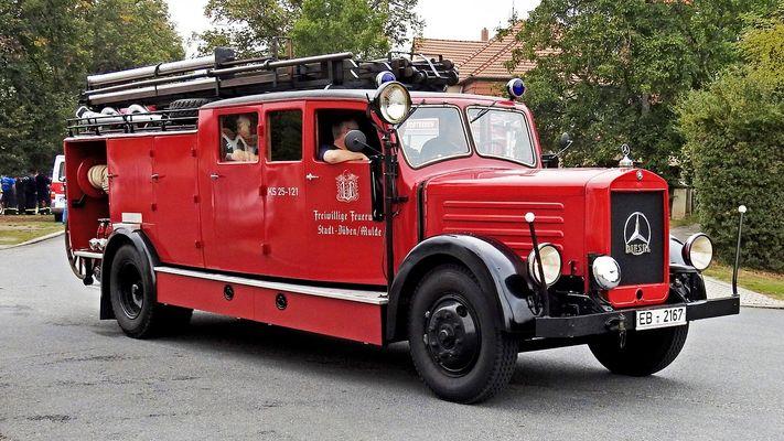 fire-truck-1679182_1280.jpg