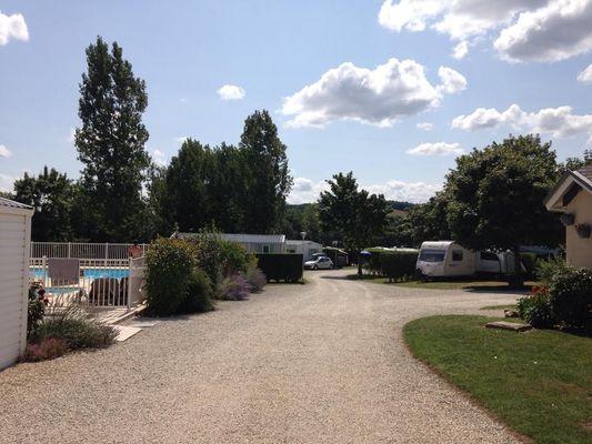 Camping_les_rioms_barrou_la_roche_posay_2_étoiles (5).jpg