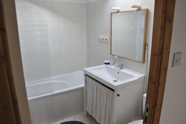 la-foret-sur-sevre-gite-le-loriot-salle-de-bain.jpg