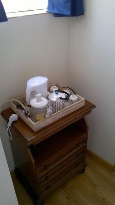 montravers-chambre-dhotes-lanneau-de-jeanne-plateau-cafe.jpg