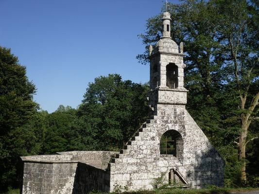 Vestiges chapelle de la Trinité - Lanvenegen - Pays roi Morvan - Morbihan Bretagne sud - CP OTPRM (40).JPG