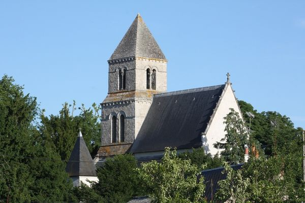 web 2 +eglise romane Saint-Lubin.jpg