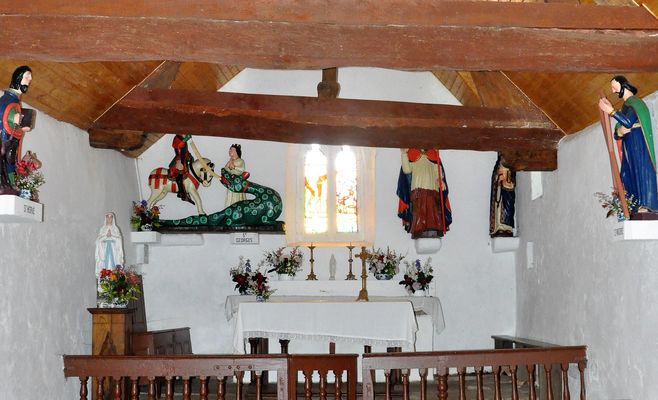 Chapelle St Georges - intérieur - Meslan - Pays roi Morvan - Morbihan Bretagne sud - CP CCPRM (10).JPG