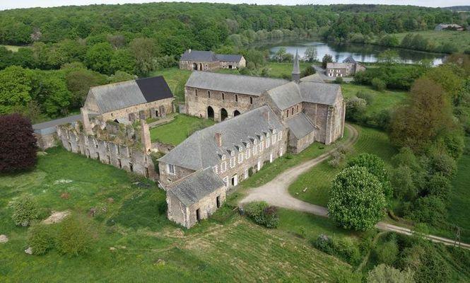abbaye de clairmont.jpg