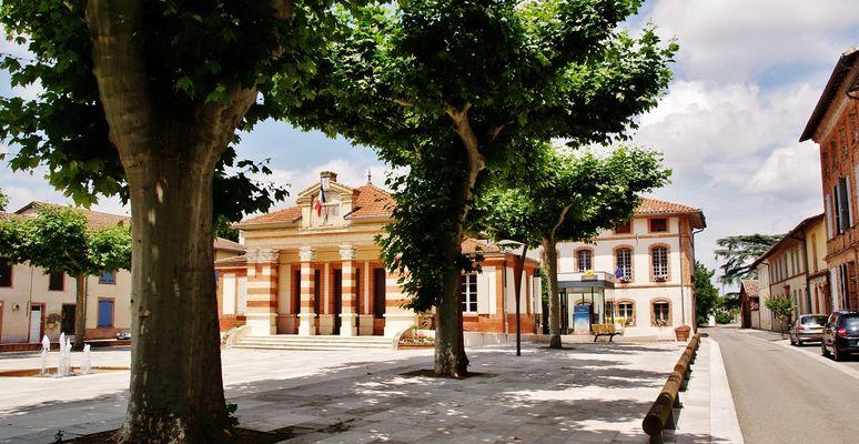 ©MontaubanTourisme place de la mairie.jpg