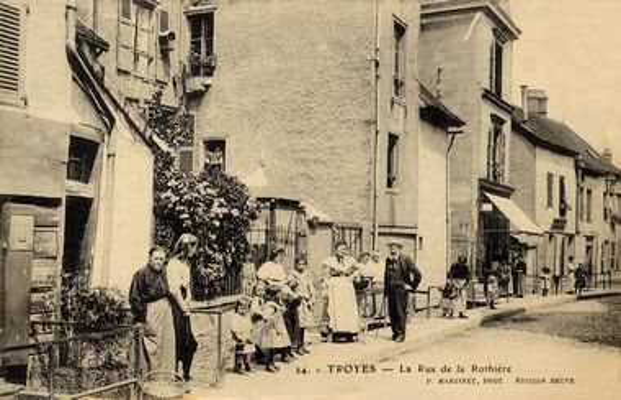 Gros-Raisin-CP-Martinet - 24 - Rue de la Rothière sit.jpg