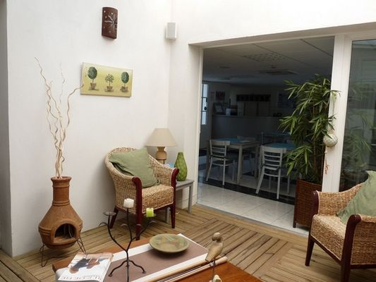 apparthotel-perledere-iledere-lacouarde-salon-2.JPG