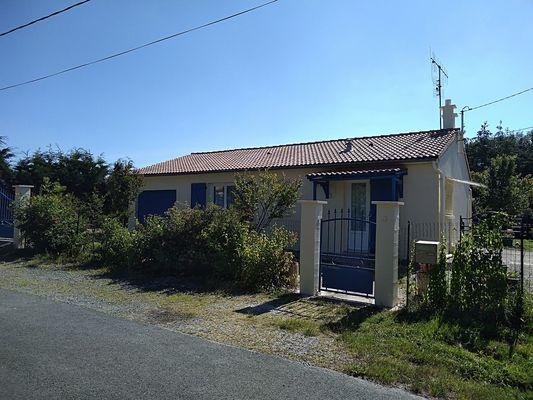 trayes-gite-mesange-bleue-facade2.jpg