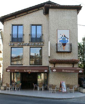Le d'artagnan à Riscle facade.jpg