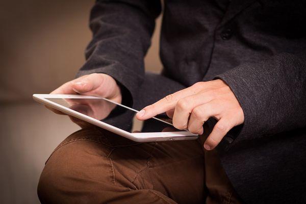tablette crédit pixabay.jpg