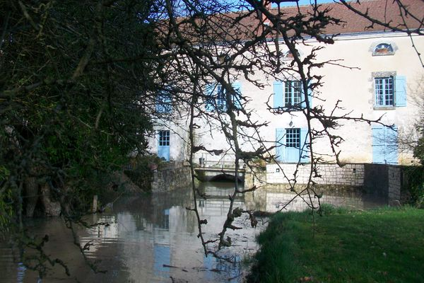 chambre_d_hotes_au_moulin_de_la_croix_charnizay_la_roche_posay (15).JPG