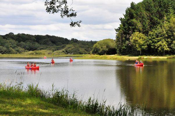 Canoë sur l'étang du Bel-Air.jpg
