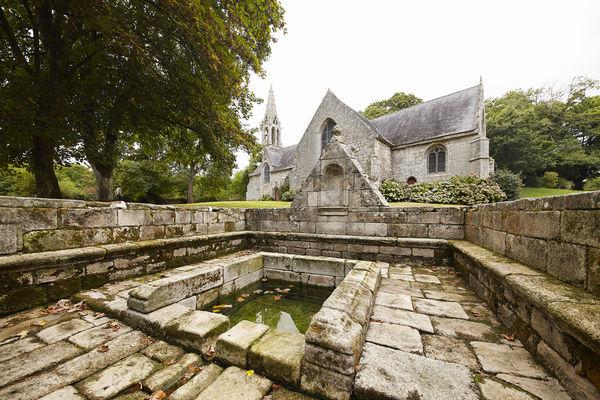 fontaine saint-urlo - lanvénégen.jpg