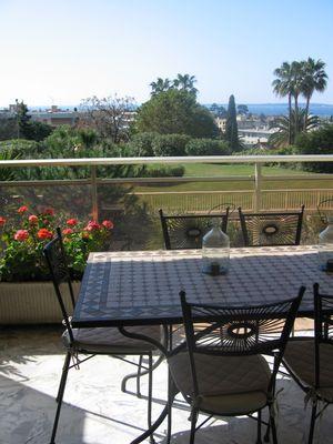 Antibes appartement Diquattro vue depuis terrasse sud.jpg