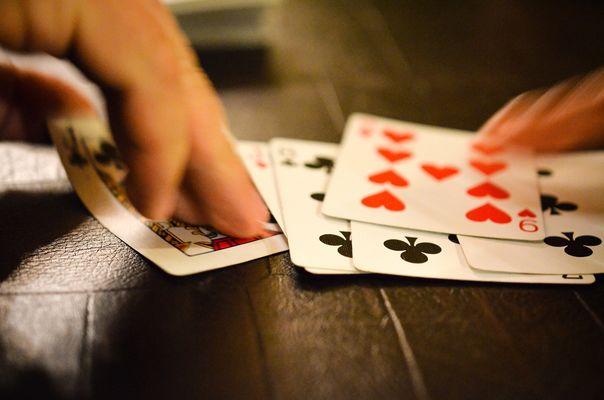 Club_de_l_amitie_jeux_de_cartes_La_Roche_Posay.jpg