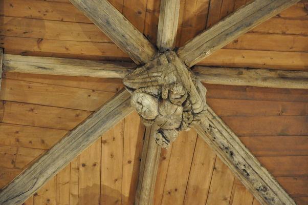 VG sablières sculptées - Kerlenat et église - Locmalo ©OTPRM (144).JPG