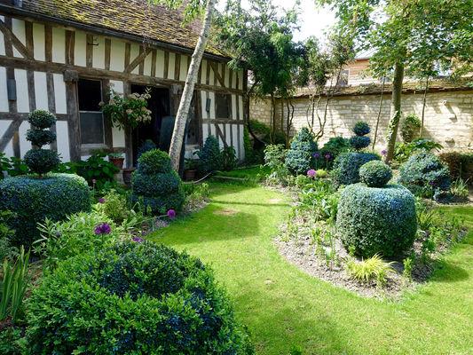 Jardindelacathedrale-jardin04V.jpg