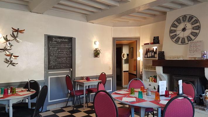 Le Cheval Blanc Longueville sur Scie.jpg
