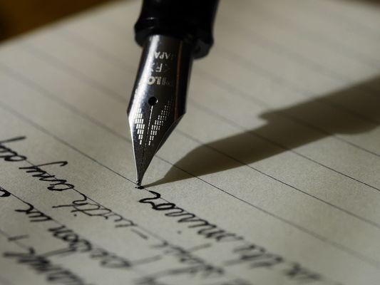 plume ecriture crédit pixabay.jpg