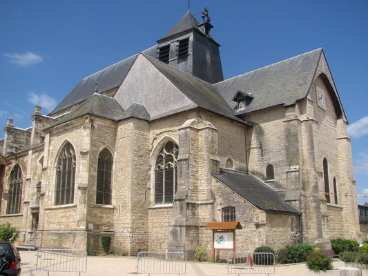 Eglise Chaource.JPG