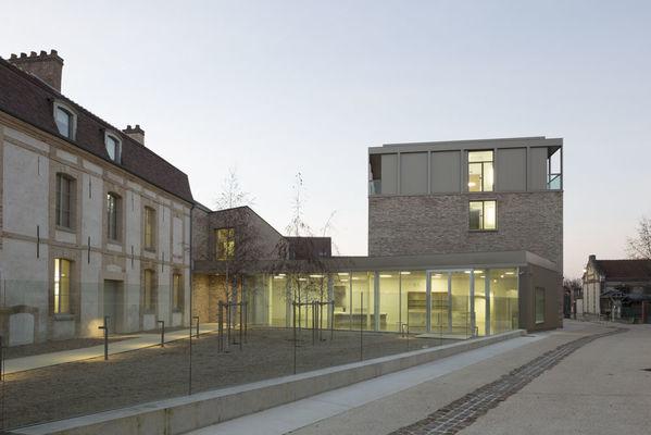 Ext musée Camille Claudel.jpg