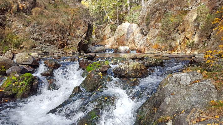 cascade et cours d'eau fond de vallée F BERLIC.jpg