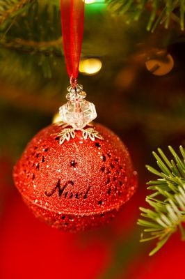 noel-christmas-bauble-1446641947dEw sit.jpg