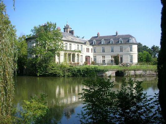 chateau-aubry-du-hainaut-facade sud  ao-t.JPG