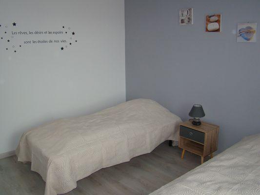 bressuire-la-chadronniere-gite2-chambre2.jpg