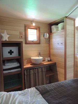 camping-ile-de-re-camping-les-baleines-cabane-photo7.jpg