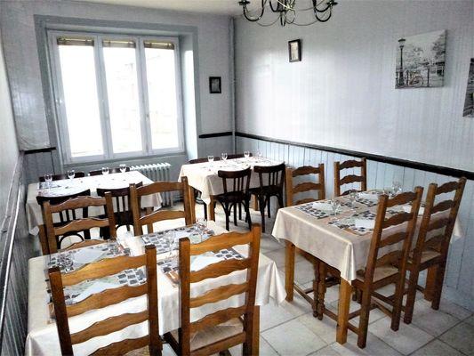 courlay-restaurant-courlis-salle.jpg