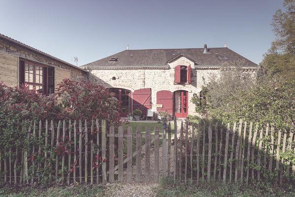 chambroutet-chambres-dhotes-la-belle-lurette-facade1.jpg