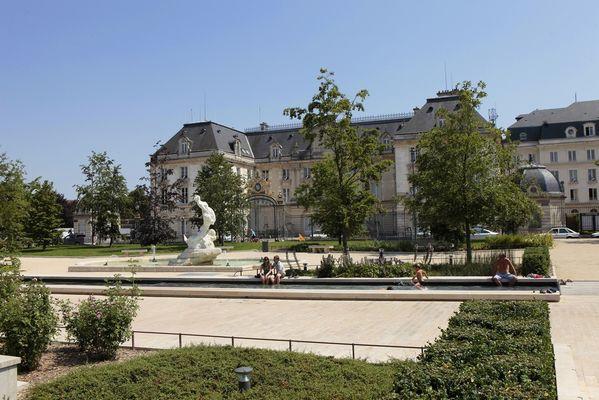 Place Bassin Préfecture - (c) D. Le Névé.jpg