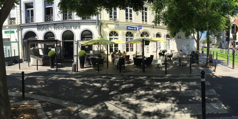 Valenciennes - Les Arcades - Hotel - Terrasse (2) - 2018.jpg