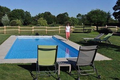 St Amand sur Sèvre-le petit Puy Loup-piscine.jpg