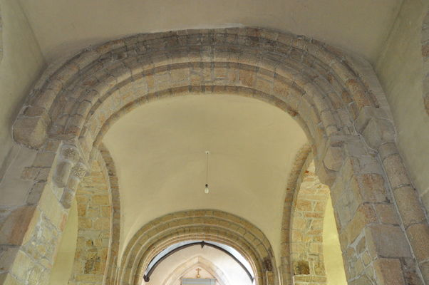 Eglise - Priziac - intérieur - Pays roi Morvan - Morbihan Bretagne sud - CP CCPRM (33).JPG