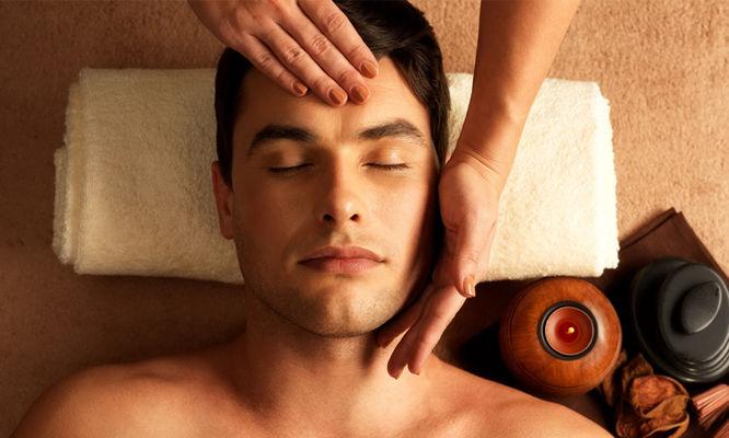 FACIAL-TREATMENT-Gentlemens-hot-towel-facial-1.jpg