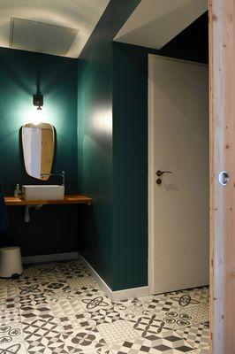 COWORK EN RÉ Toilettes canons.jpg