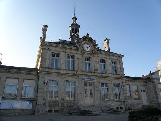 Hotel_de_ville_de_Bouilly.JPG