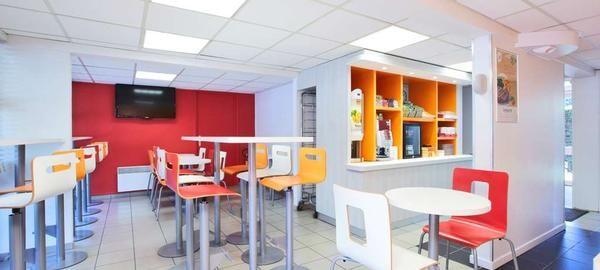 FRA22173-restaurant3.jpg